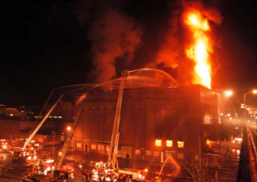 This fire at the Worcester Cold Storage Warehouse claimed the lives of 6 Worcester (MA) FD Firefighters on December 3, 1999. (Photo courtesy of myfirefighternation.com)