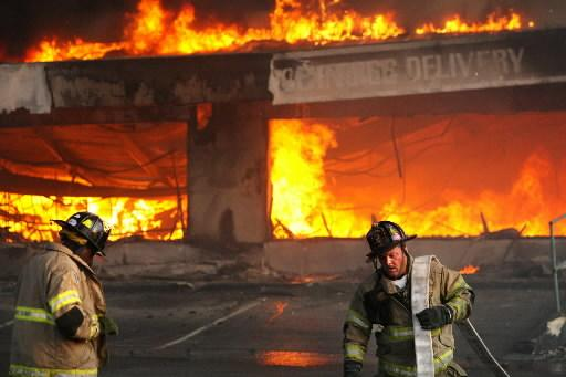The Super Sofa Store fire that killed 9 Charleston (SC) Firefighters in June 2007. Photo courtesy Newswise.